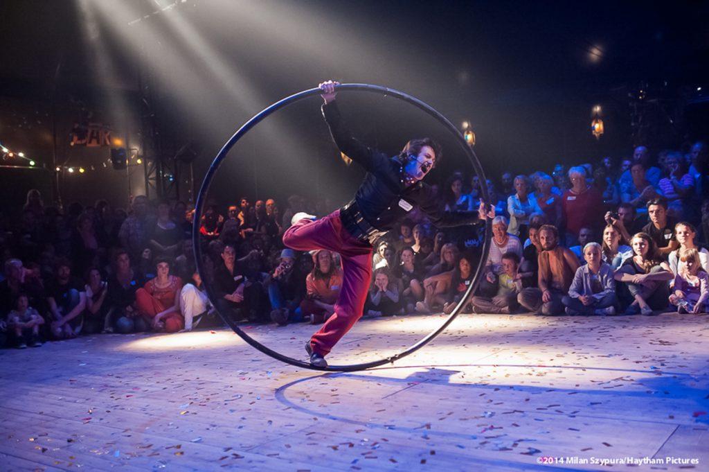 Le Bal Cirque à Saint Agil, avec la Cie Cheptel Aleikoum.